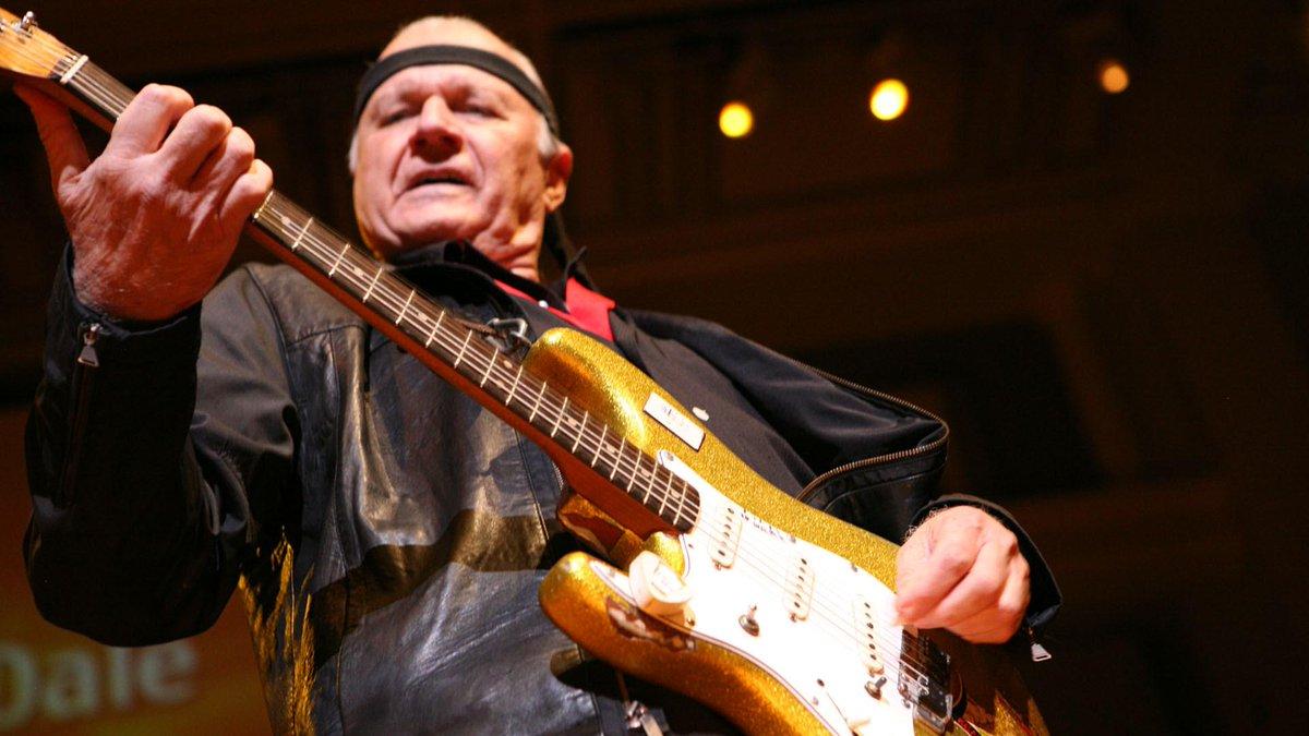 È morto Dick Dale, il chitarrista che compose Miserlou