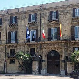 Blutec, tensione a Palermo: sit-in degli operai davanti alla presidenza della Regione