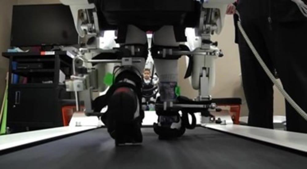 Disabilità, un robot aiuta i bambini a camminare: Lokomat arriva a Palermo