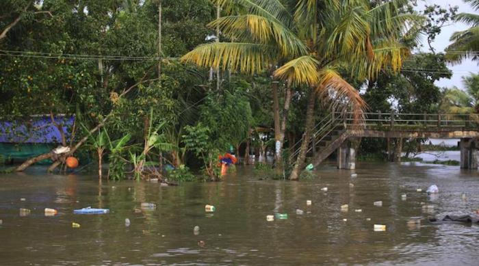 Indonesia: alluvioni, sale a 89 il bilancio delle vittime