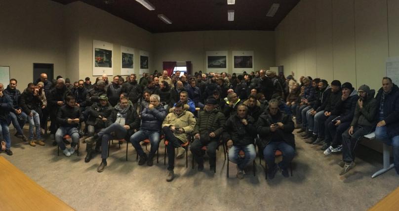 Blutec di Termini Imerese: operai forzano i cancelli