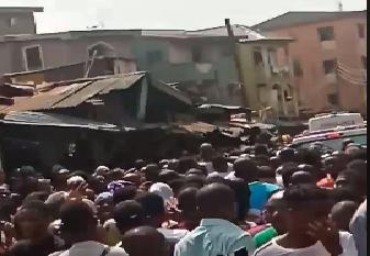 Nigeria, crolla una scuola a Lagos: almeno 10 bambini sotto le macerie