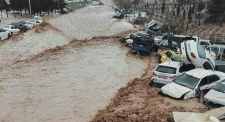 Iran, inondazioni senza sosta: 21 morti e oltre 100 feriti