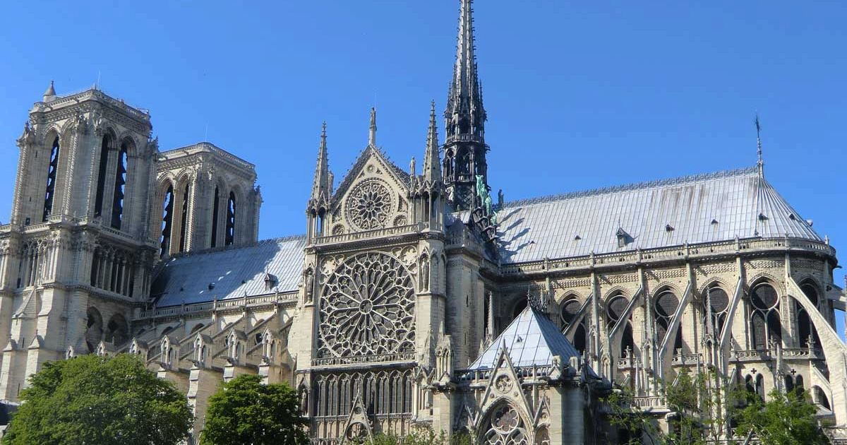 Notre Dame: storia e leggende sulla cattedrale gotica più famosa al mondo