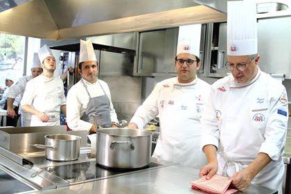 L'Associazione cuochi e pasticceri compie 35 anni, show cooking e dimostrazioni