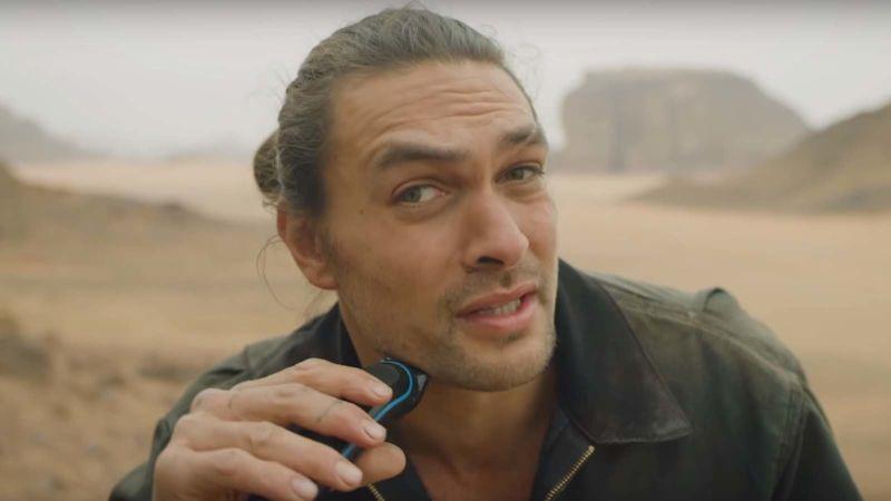 """""""Addio Khal Drogo"""": Jason Momoa si taglia la barba per il Pianeta"""