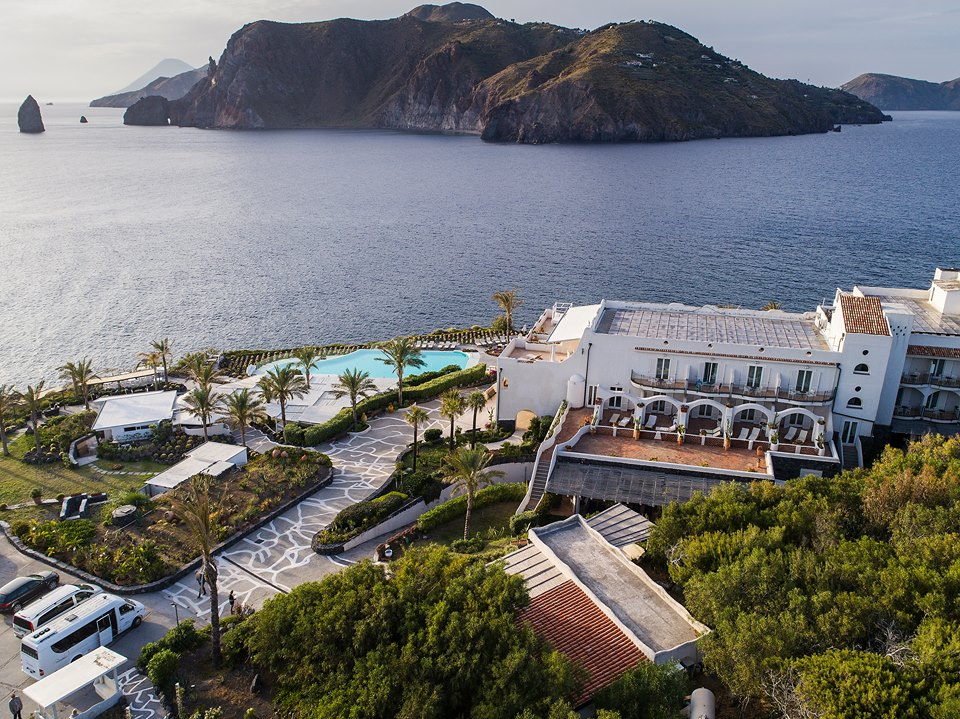 Eolie, un'estate all'insegna del benessere al Therasia Resort & Spa di Vulcano