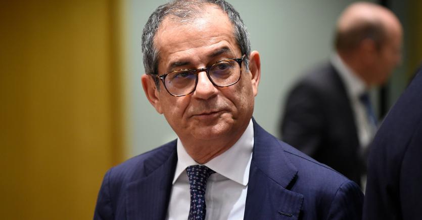 """L'Eurogruppo pressa sui conti italiani, Tria: """"A luglio dati, non chiacchiere"""""""