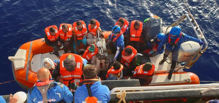 Nuovo naufragio di migranti al largo della Tunisia: almeno 70 morti