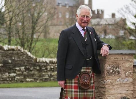 Il principe Carlo apre un B&B nel granaio del castello scozzese