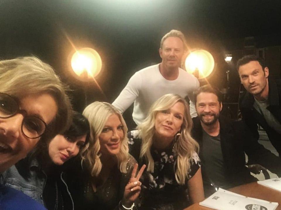 Revival Beverly Hills 90210, è online la prima foto del cast ma manca Luke Perry