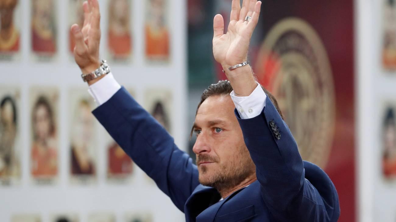 """Roma, Totti si dimette: """"Mi hanno tagliato fuori da tutto"""""""