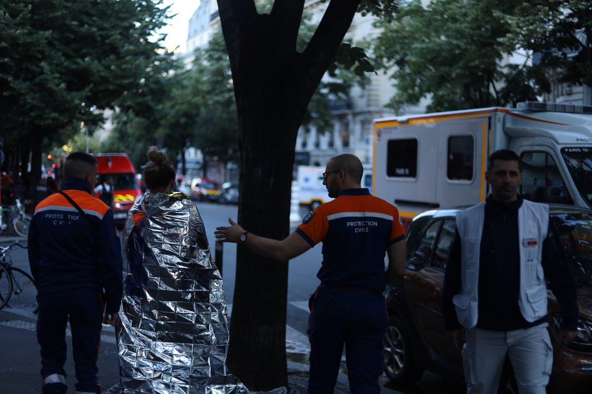 Incendio in un palazzo di Parigi: almeno 3 morti e 28 feriti
