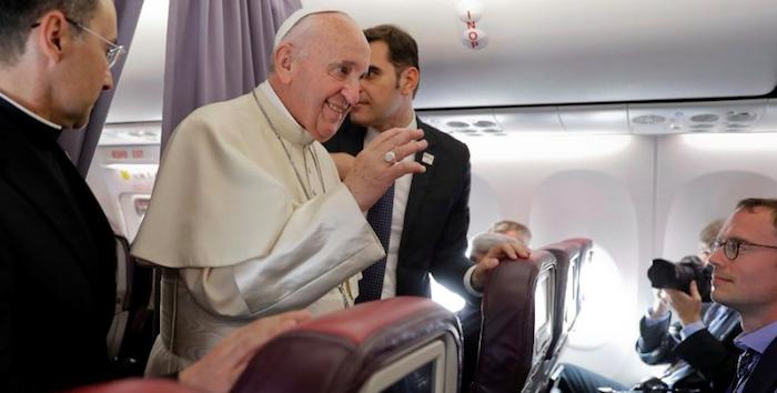 """Papa Francesco smentisce le voci: """"Mai rifiutato un incontro con Salvini"""""""