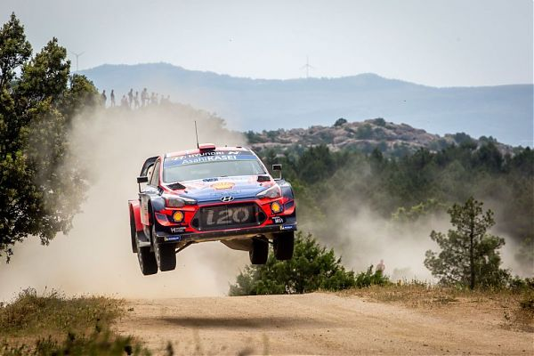 Mondiale Rally, in Sardegna vince Sordo
