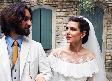 Matrimonio bis per Charlotte Casiraghi, un tocco shabby per la cerimonia religiosa