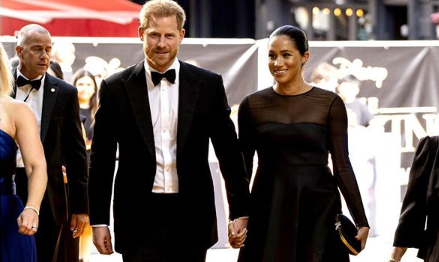 Harry e Meghan impeccabili alla premiere di The Lion King, audace il look di Beyoncé