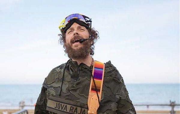 Jova Beach Party debutta con un sold out a Lignano Sabbiadoro