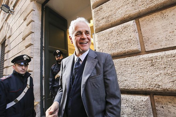 Concessi i domiciliari all'ex governatore lombardo Roberto Formigoni