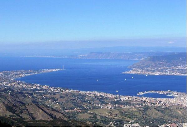 Stretto di Messina, coincidenze più efficienti fra treni e navi veloci