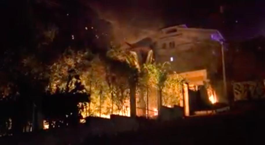 Bruciano le montagne di Palermo, fiamme tra Monreale e San Martino – VIDEO