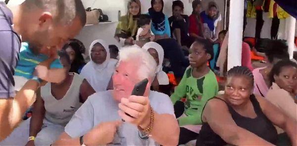 """Richard Gere a Lampedusa, """"Basta con la demonizzazione dei migranti"""""""