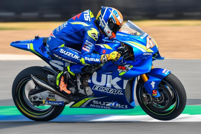 Moto GP, a Silverstone trionfa Rins. Beffato Marquez al fotofinish