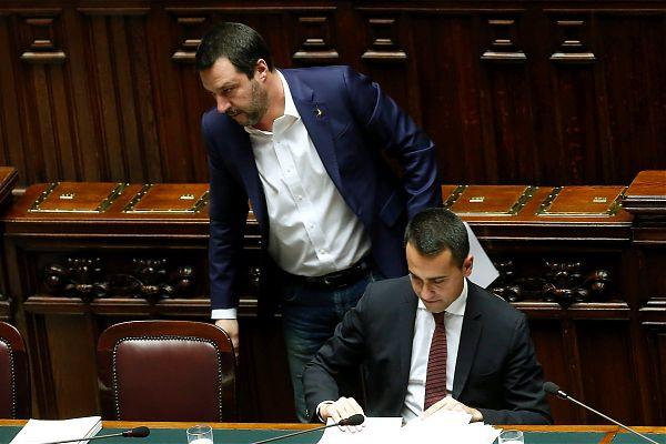 """Blog 5 Stelle attacca Salvini """"Ci ha provato ma si è fregato da solo"""""""