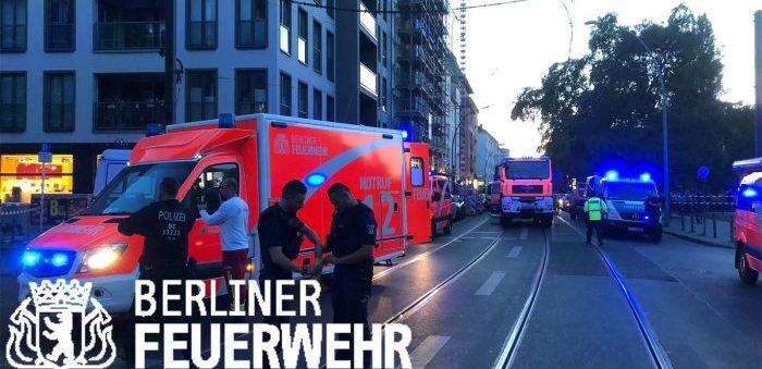 Auto sulla folla a Berlino, almeno 4 morti: tra questi un bimbo