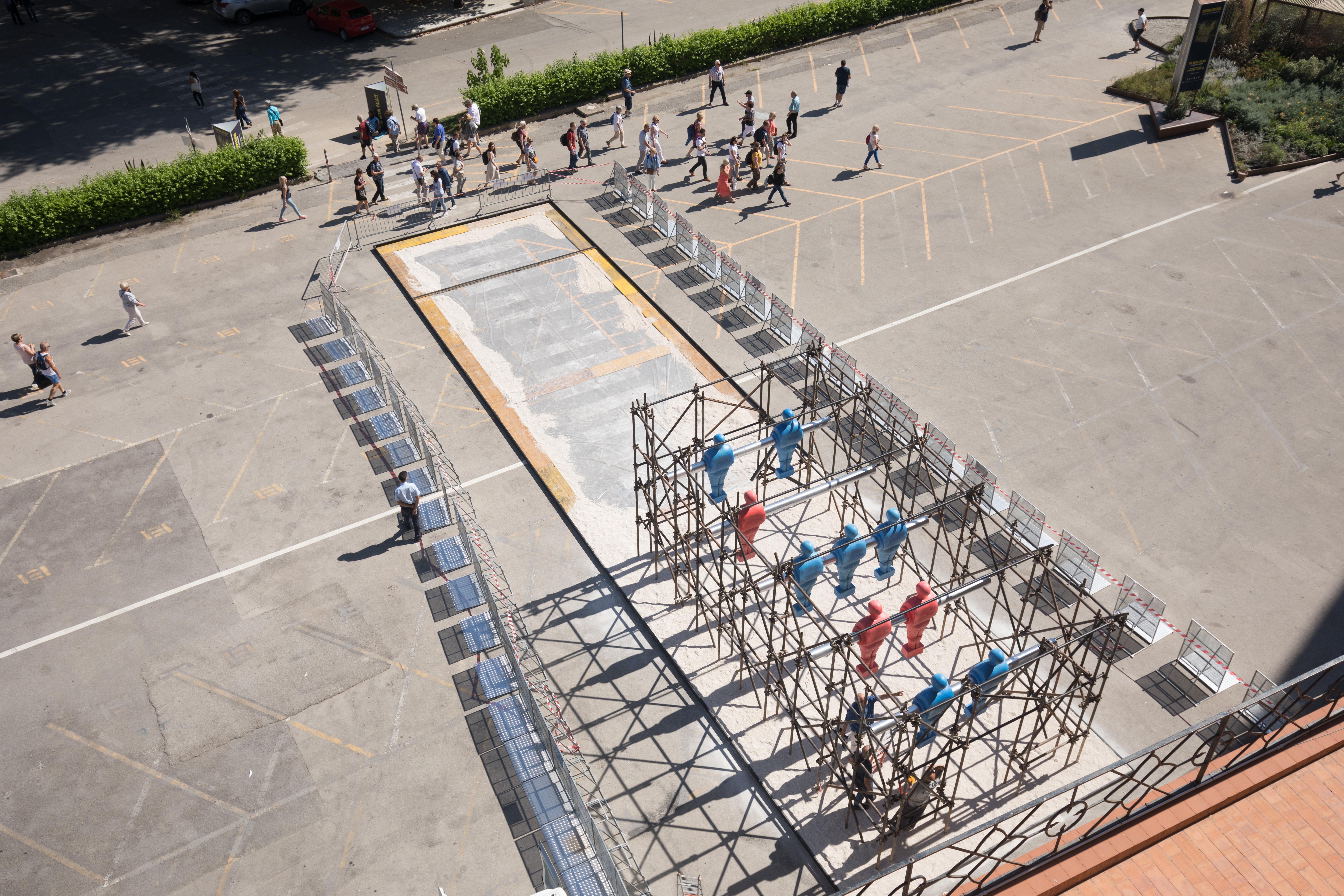 Tragedie del mare: l'arte contro l'indifferenza a Piazza del Parlamento