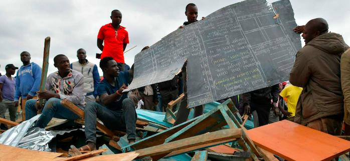 Crolla una scuola a Nairobi, almeno 7 bimbi morti e 10 dispersi