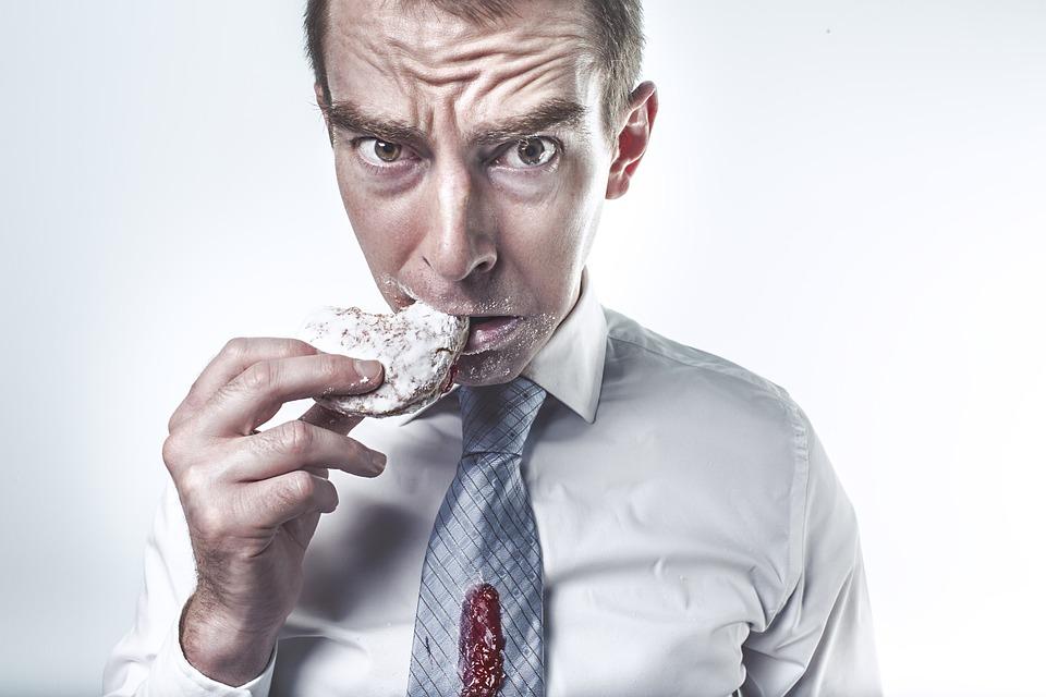 Sei cattive abitudini che non ti fanno perdere peso