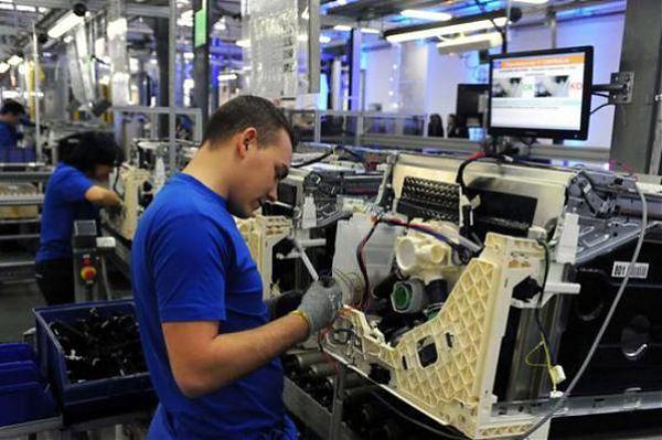 L'occupazione cresce, l'economia ristagna