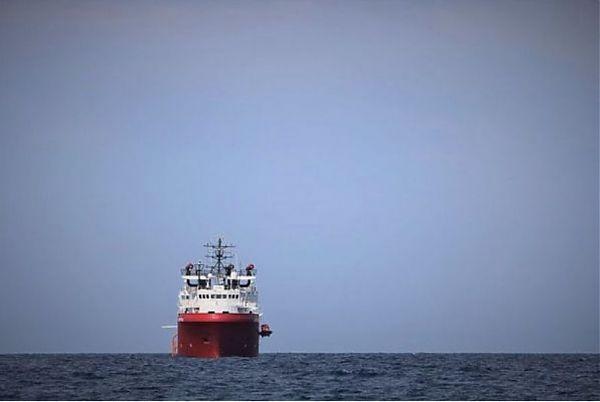La Ocean Viking arrivata a Messina per lo sbarco di 182 migranti