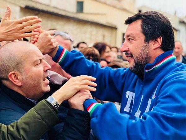 """Salvini """"Per nuova  legge Fornero dovranno passare sui nostri corpi"""""""