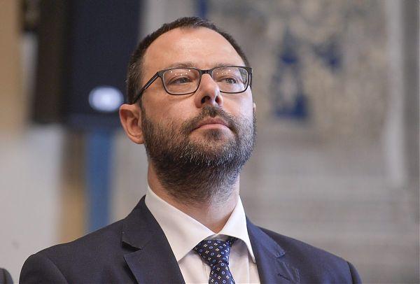 """Ex Ilva, Patuanelli: """"Arcelor Mittal non ha il diritto di recesso"""""""
