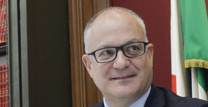 """Popolare di Bari, Gualtieri: """"Il salvataggio è un dovere del Governo"""""""