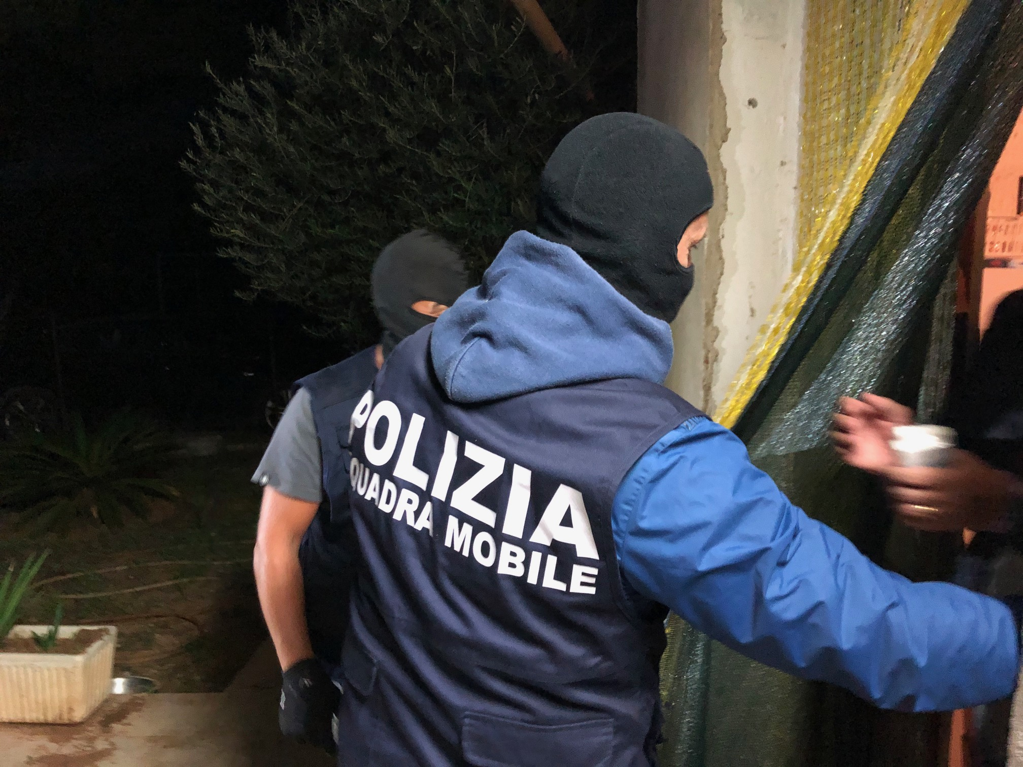 Mafia, traffico illecito di rifiuti: 15 arresti nel Ragusano