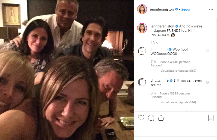"Jennifer Aniston sbarca su Instagram con una foto dei suoi ""Friends"""