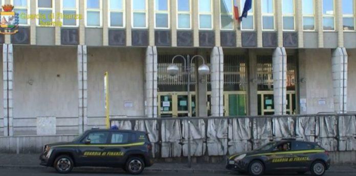 Maxifrode nel settore delle auto di lusso, 23 arresti in tutta Italia