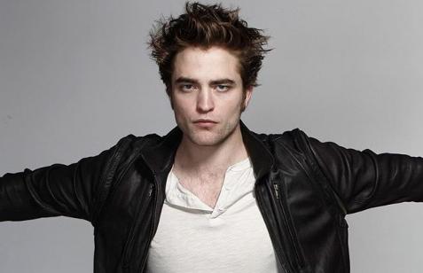 """Robert Pattinson e la scena di autoerotismo """"Regista sotto choc ma non mi sono fermato"""""""