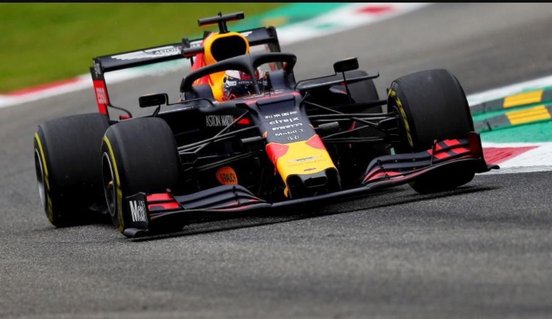 In Brasile pole position per Verstappen davanti a Vettel