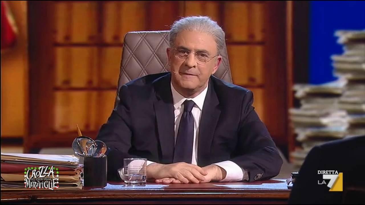 """Crozza contro Salvini: """"Quando parli della Campania ti devi lavare i piedi"""""""