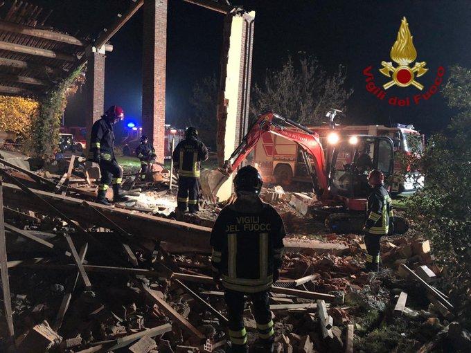 Esplode edificio nell'Alessandrino, morti 3 vigili del fuoco