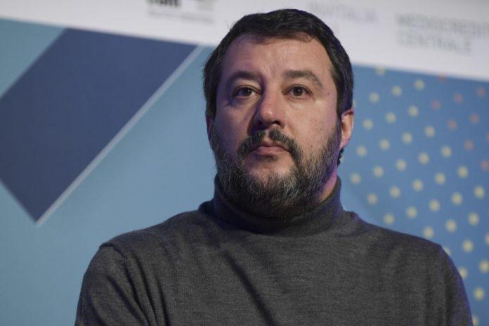 """Caso Gregoretti, Salvini """"No al rinvio del voto dopo le regionali"""""""