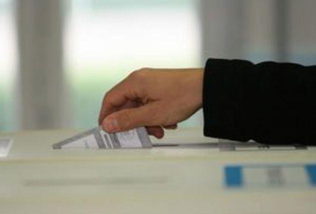 Voto in Spagna premia socialisti e ultradestra ma non dà maggioranza