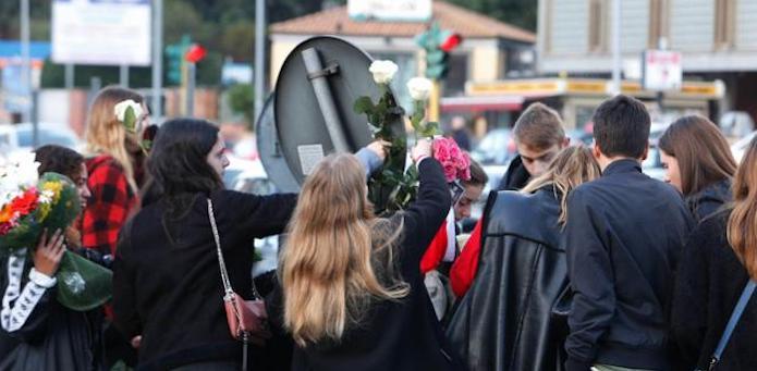 Incidente Roma, l'autopsia rivela i segni di una sola auto