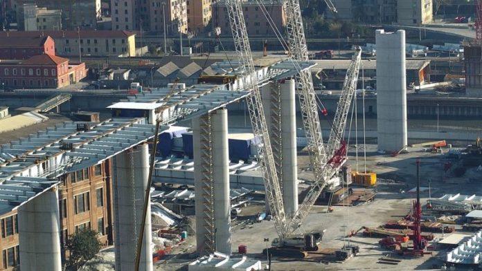 Genova, varato il quinto impalcato del Ponte Morandi