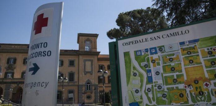 Roma, al San Camillo asportato un tumore di 4 chili a una donna di 100 anni