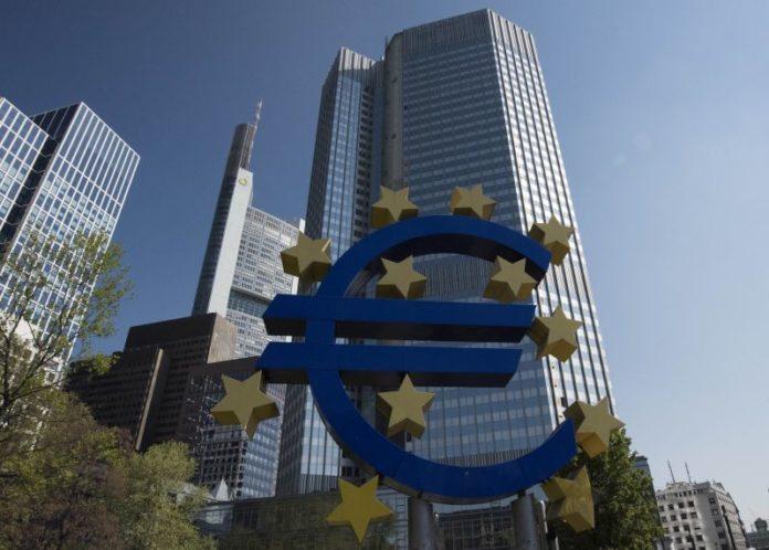 Bce rivede al ribasso Pil dell'Eurozona a +1,1% nel 2020